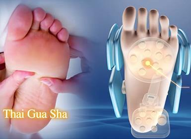 Massage Guasha des pattes des pieds