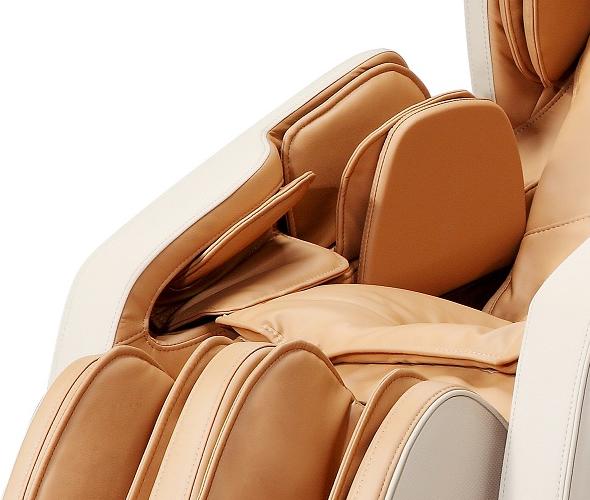 massage des bras sur le fauteuil Komoder KM500L